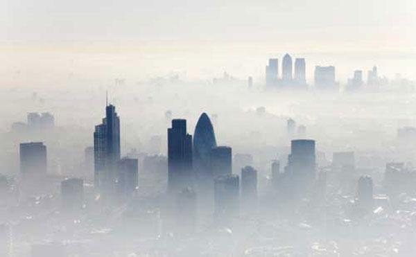 在城市热岛效应强度越大的地方,污染物的监测值就越大.