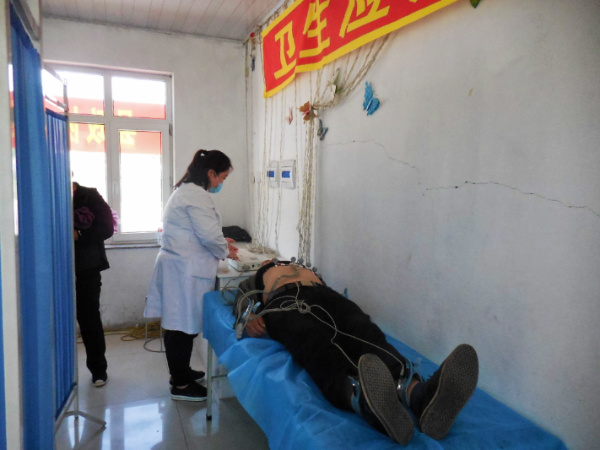 内科系统就诊患者近170人次,外科20人次,心电图46人,血糖测定56人,发